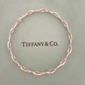 Tiffany & Co sterling silver infinity bangle